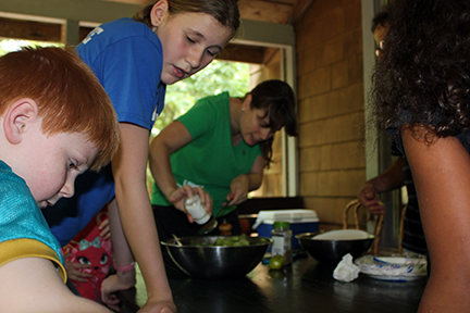 Cooking Class Kerrie and kids
